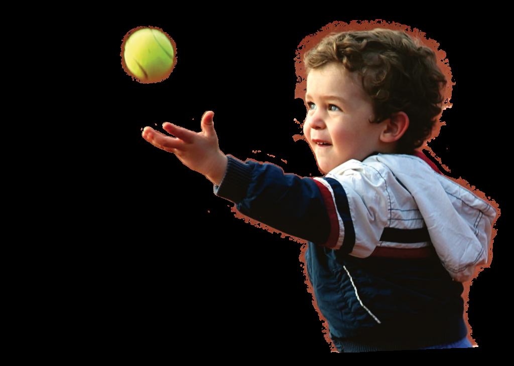 Kind beim Tennisspiel